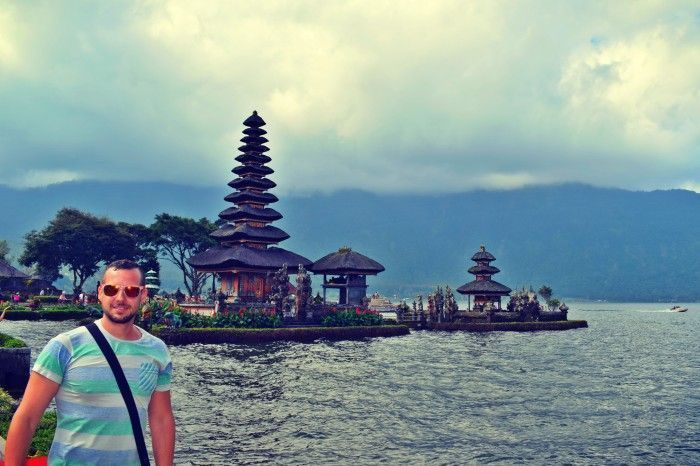 Templo sobre el Lago Bratan. Que ver en la ruta norte de Bali